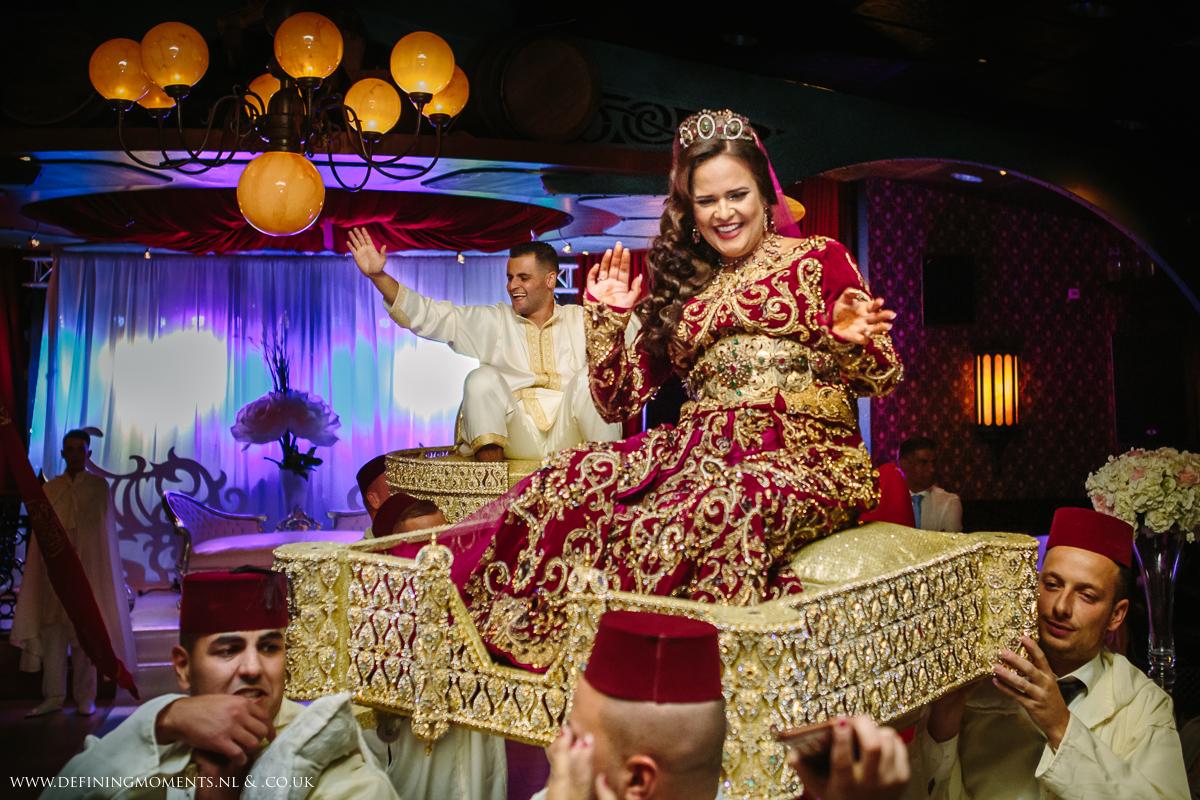 moroccan-dutch-wedding-celebrations-traditional-costume-multi_ethnic-couple-multicultural-wedding-photography-diversity-photographer-bride-groom-portrait-love_is_love-rainbow