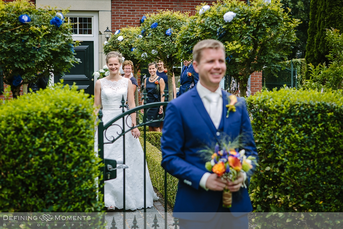 surrey documentary wedding photographer documentary natural stylish contemporary wedding photography wedding arrival bride groom first look