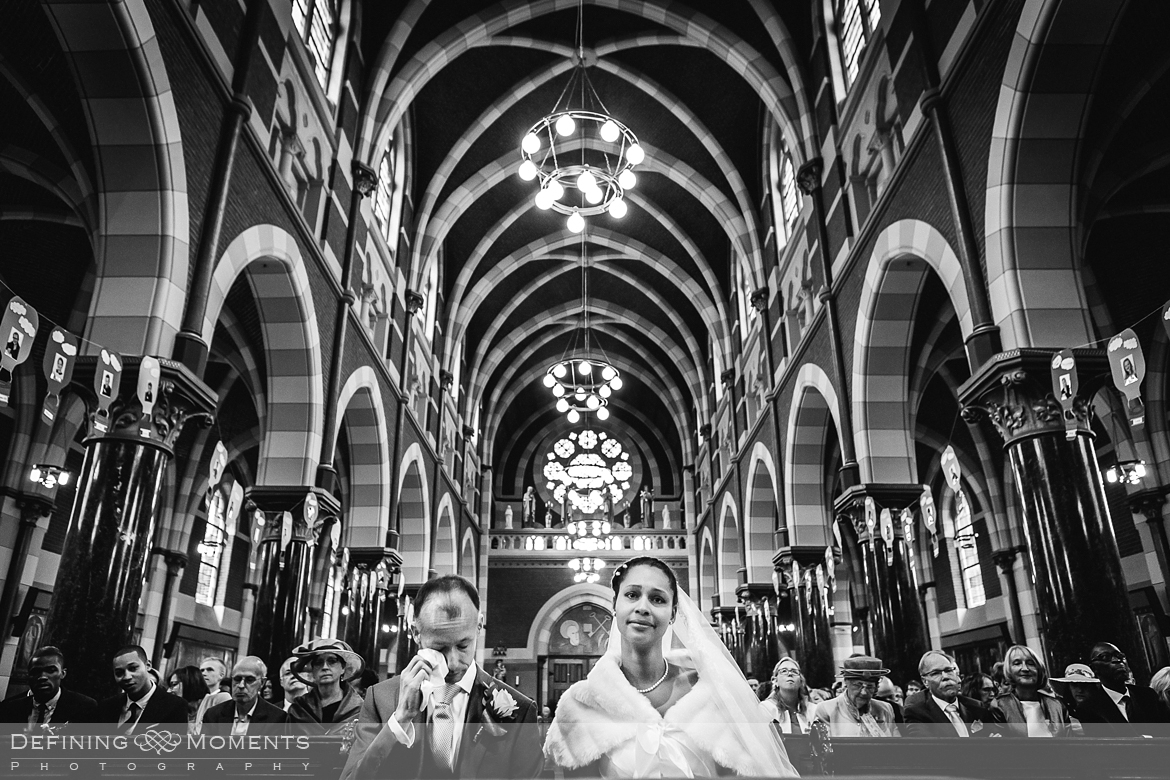 surrey documentary wedding photographer documentary natural stylish contemporary wedding photography wedding ceremony church