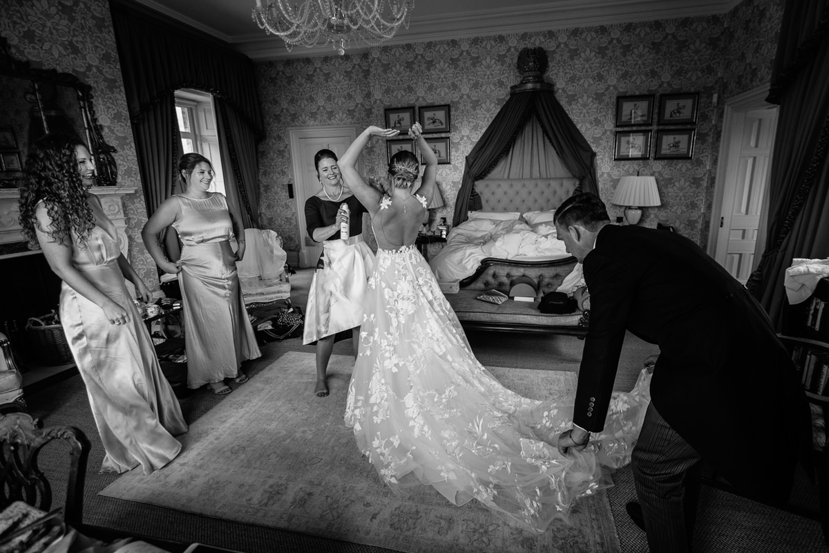 bridal preps black_white journalistic documentary reportage photographer photography photo surrey cowdray_house