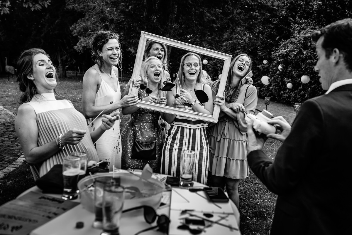 photo frame portrait wedding party black_white journalistic documentary reportage photographer photography photo surrey
