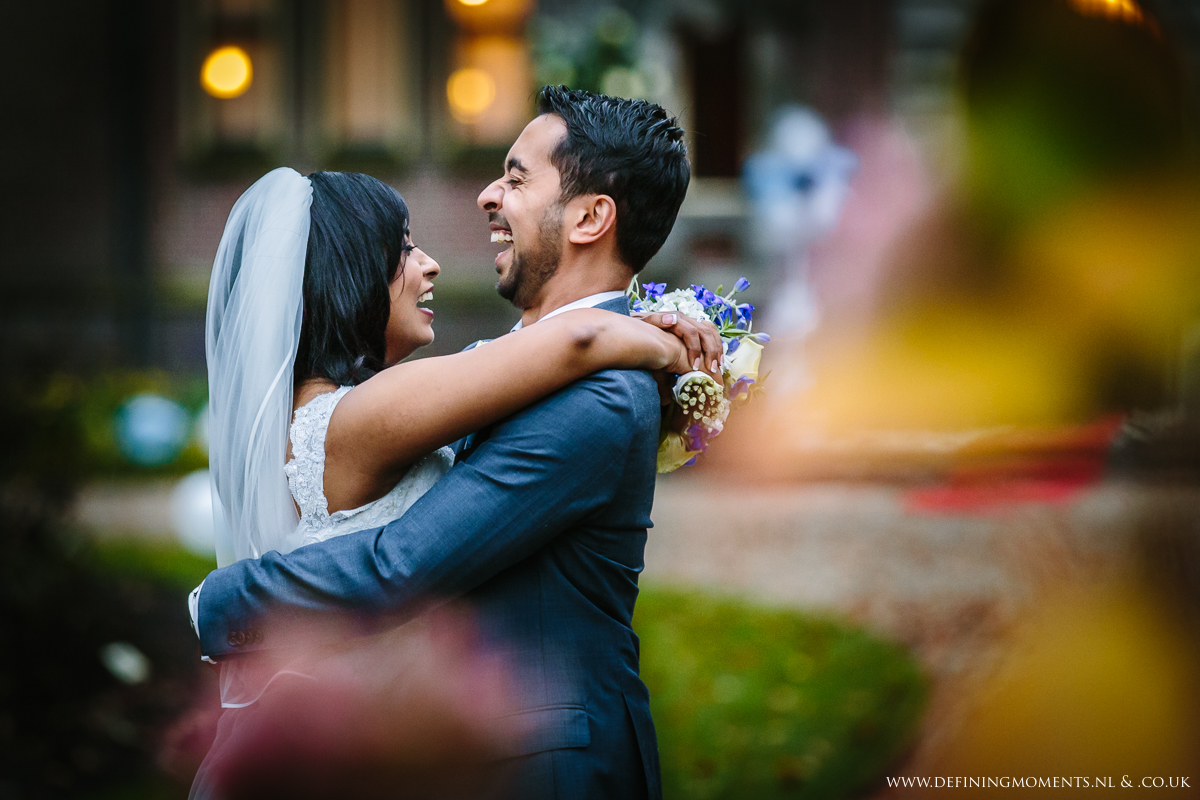 keukenhof-castle-multi_ethnic-couple-multicultural-wedding-photography-diversity-photographer-bride-groom-portrait-love_is_love-rainbow