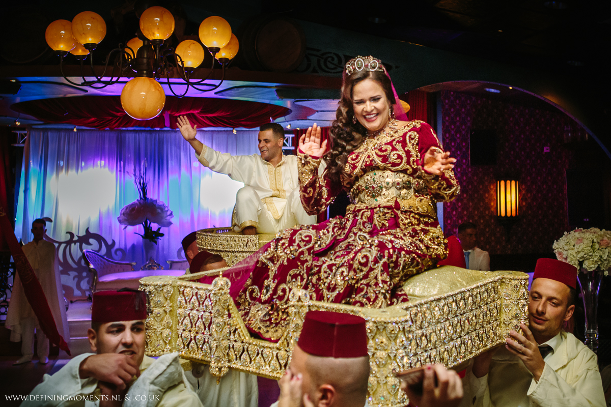 moroccan-dutch-wedding-celebrations-traditional-costume-multi_ethnic-couple-multicultural-wedding-photography-diversity-photographer-bride-groom-portrait-love_is_love-rainbow